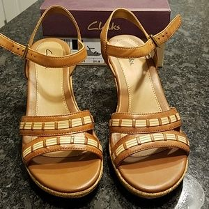 Clarks Pitch Cocoa tan wedges size 8.5